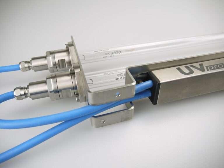 Promienniki do agregatów chłodniczych serii LKE UVpro dezynfekcja i sterylizacja powietrza (12)